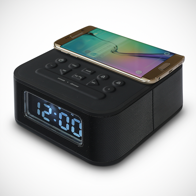 DreamQi Wireless Charging Alarm Clock by VoltNow
