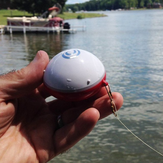 iBobber Bluetooth Smart Castable Fishfinder