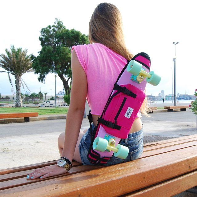 Pink Skate 22″ Shoulder Bag