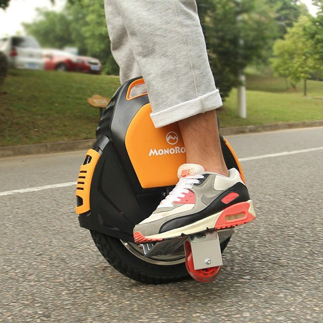 MonoRover R1 Self Balancing Unicycle