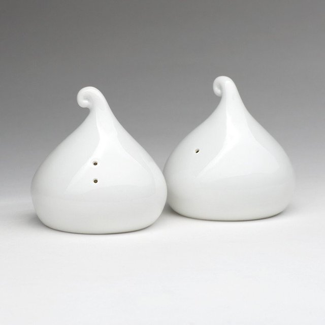 Kisses Salt and Pepper Shakers