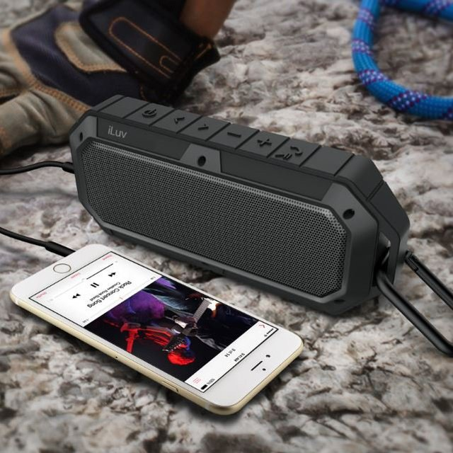 Waterproof Shockproof Dustproof Rugged Outdoor Bluetooth Speaker with Carabiner