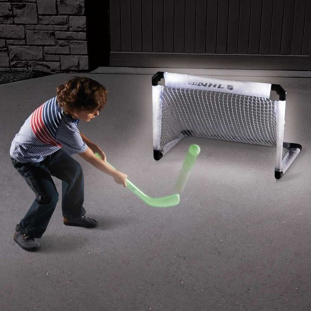 Glow-In-The-Dark Hockey Set