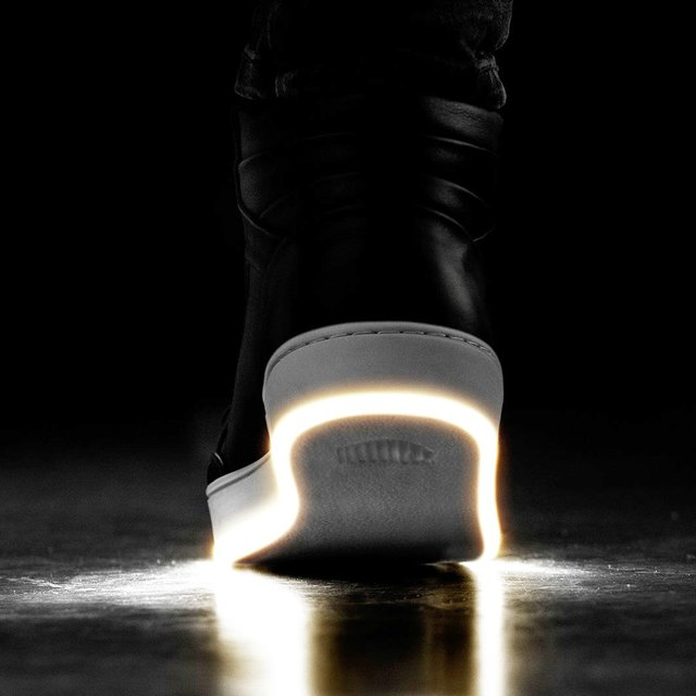 ILLUMI Nightwalkers LED Sole Shoes