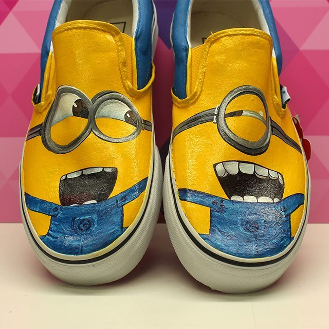 eb4edfda72 Hand Painted Minion Slip-on Vans » Petagadget