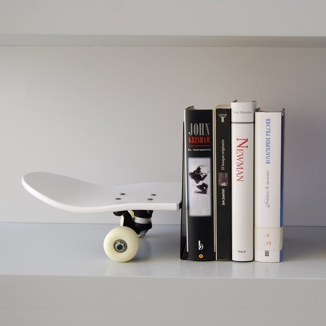 Skateboard Tail Stop White Bookend