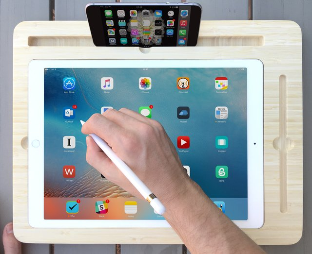 Canvas Creator Smart Desk for iPad Pro and Apple Pencil