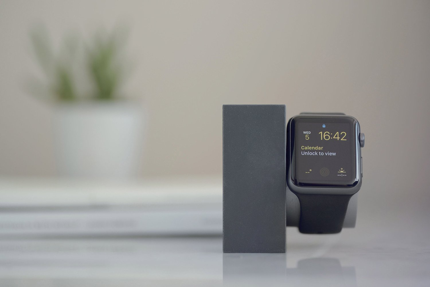 DOCK for Apple Watch Marble Edition by Native Union