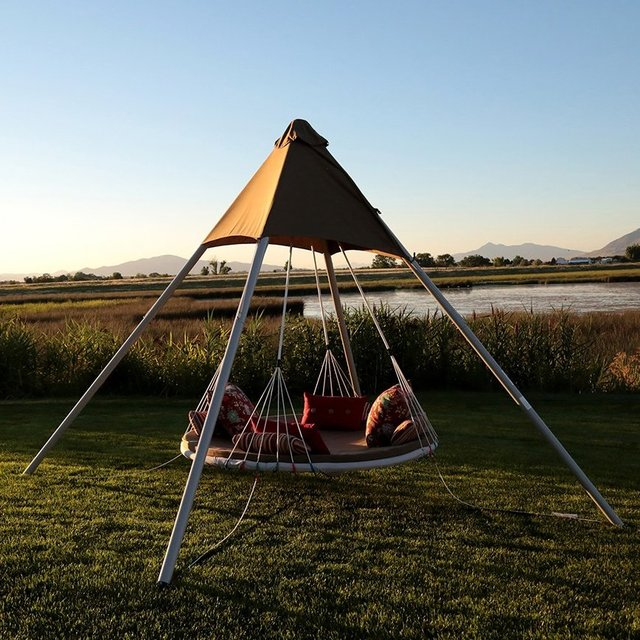 SkyBed Suspended Luxury Lounger Swing