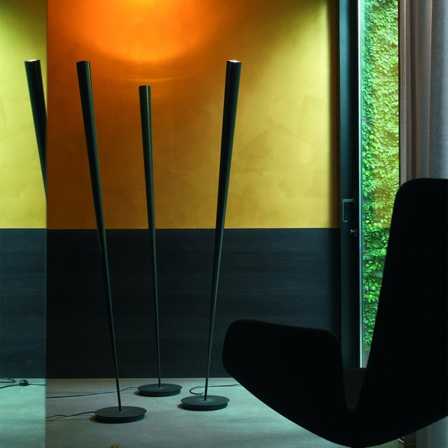 Drink Black Floor Lamp