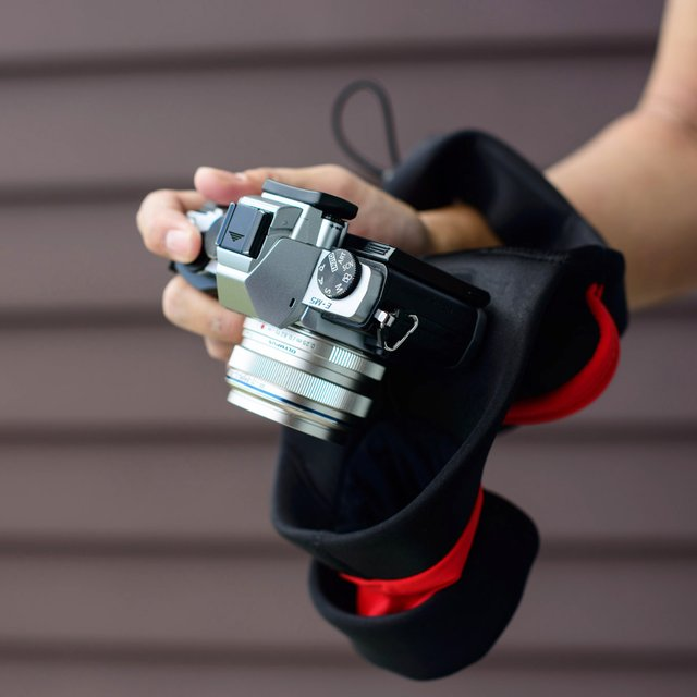 Grip & Wrap SLR Camera Wrist Strap