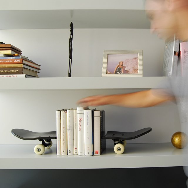 Black Skateboard Bookends
