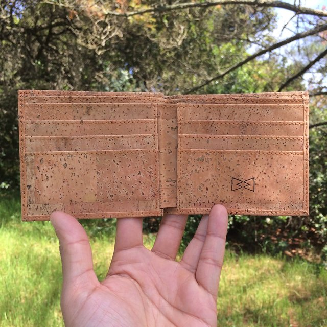 Bi-fold Wallet in Flat Grain Cork Leather