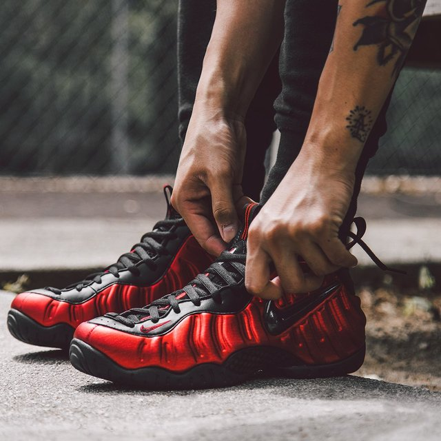 Nike Air Foamposite Pro University Red