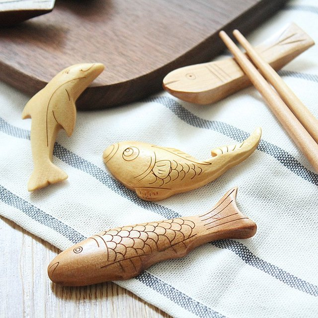 Wooden Fish Chopsticks Stand