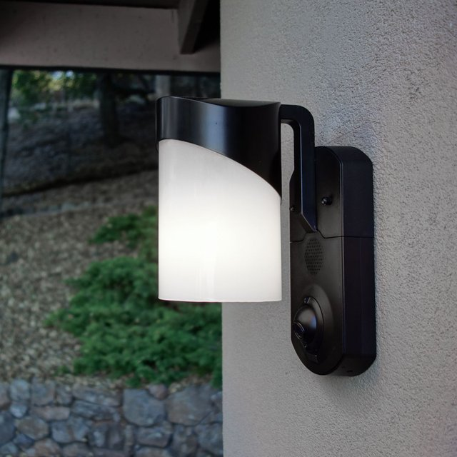Contemporary Smart Security Light by Kuna