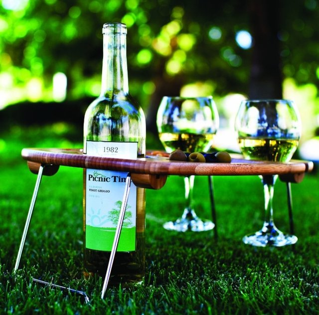 Picnic Time Mesavino Portable Wine and Snack Table