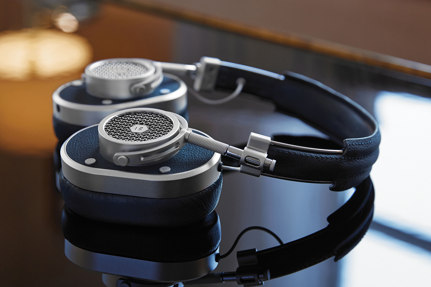 Master & Dynamic Navy & Black MH40 Headphones