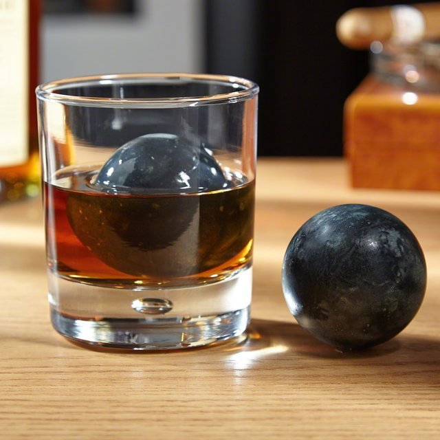 Perfect Sphere Whiskey Rocks