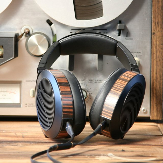 Audeze EL8 Open-Back Headphones