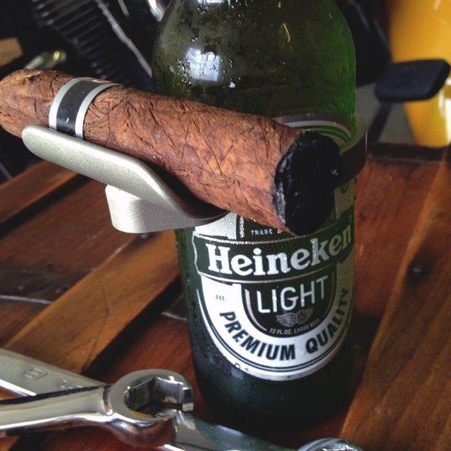 CigarzUp Cigar Holder