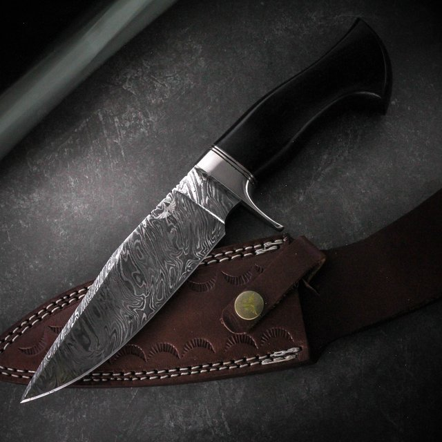 Damascus Bushcraft Bowie Rosewood Handle Knife
