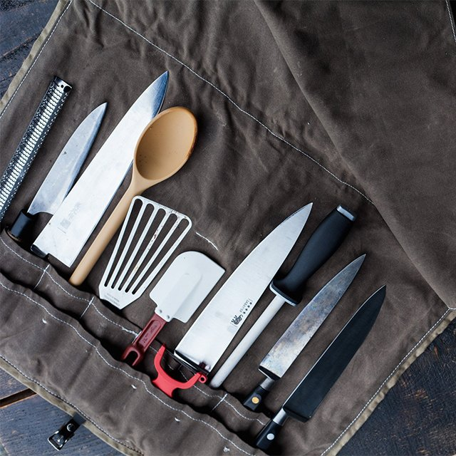 The Knife Roll in Saddle
