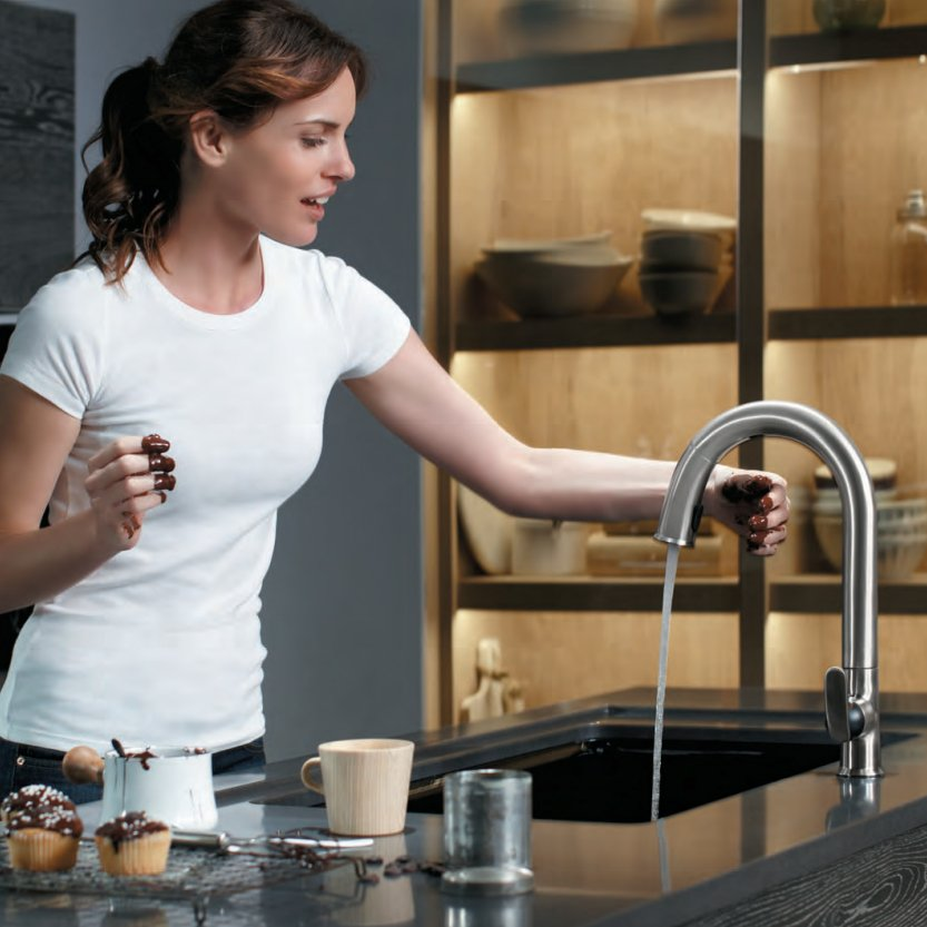Sensate Touchless Kitchen Faucet