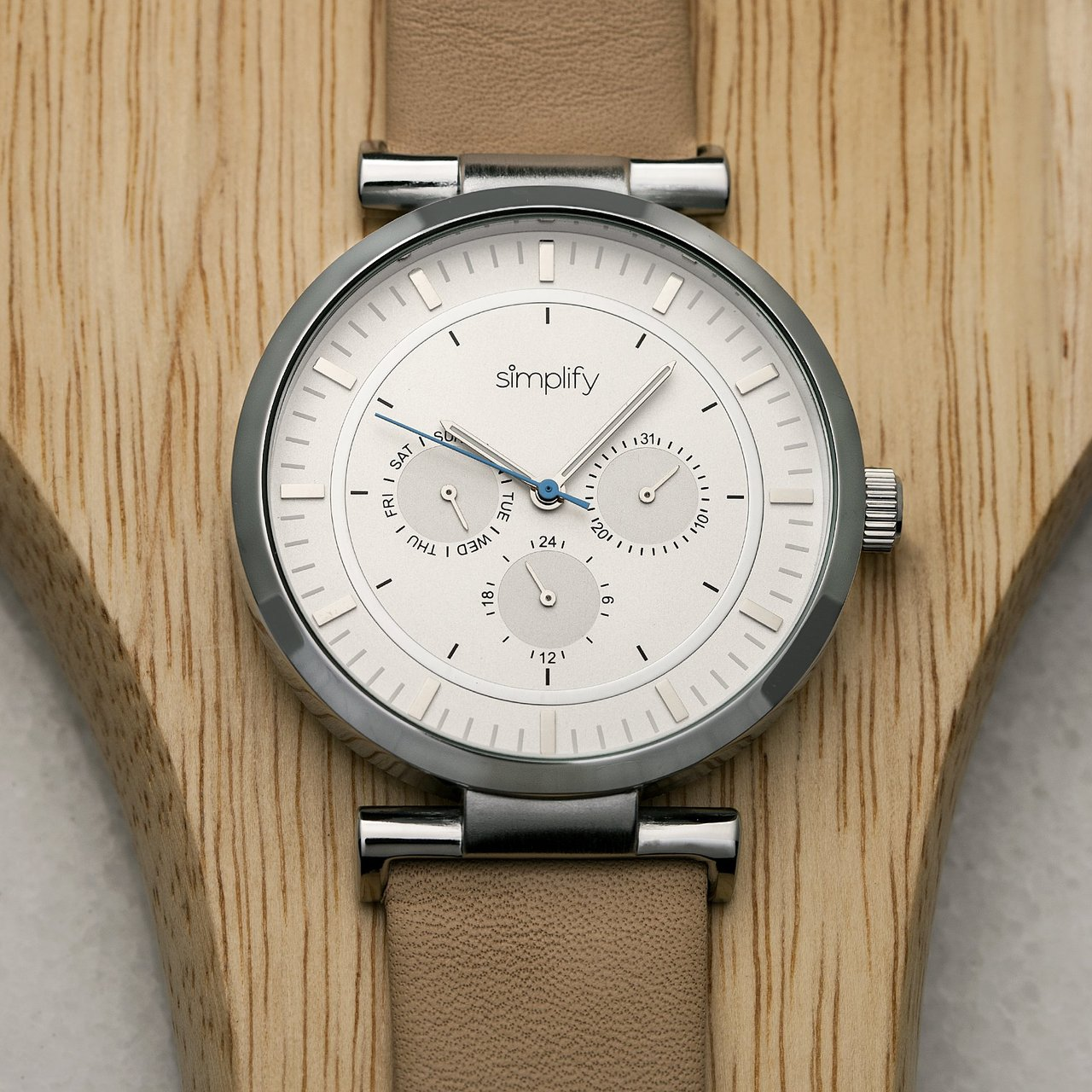 Simplify The 4800 Day/Date Leather-Band Watch