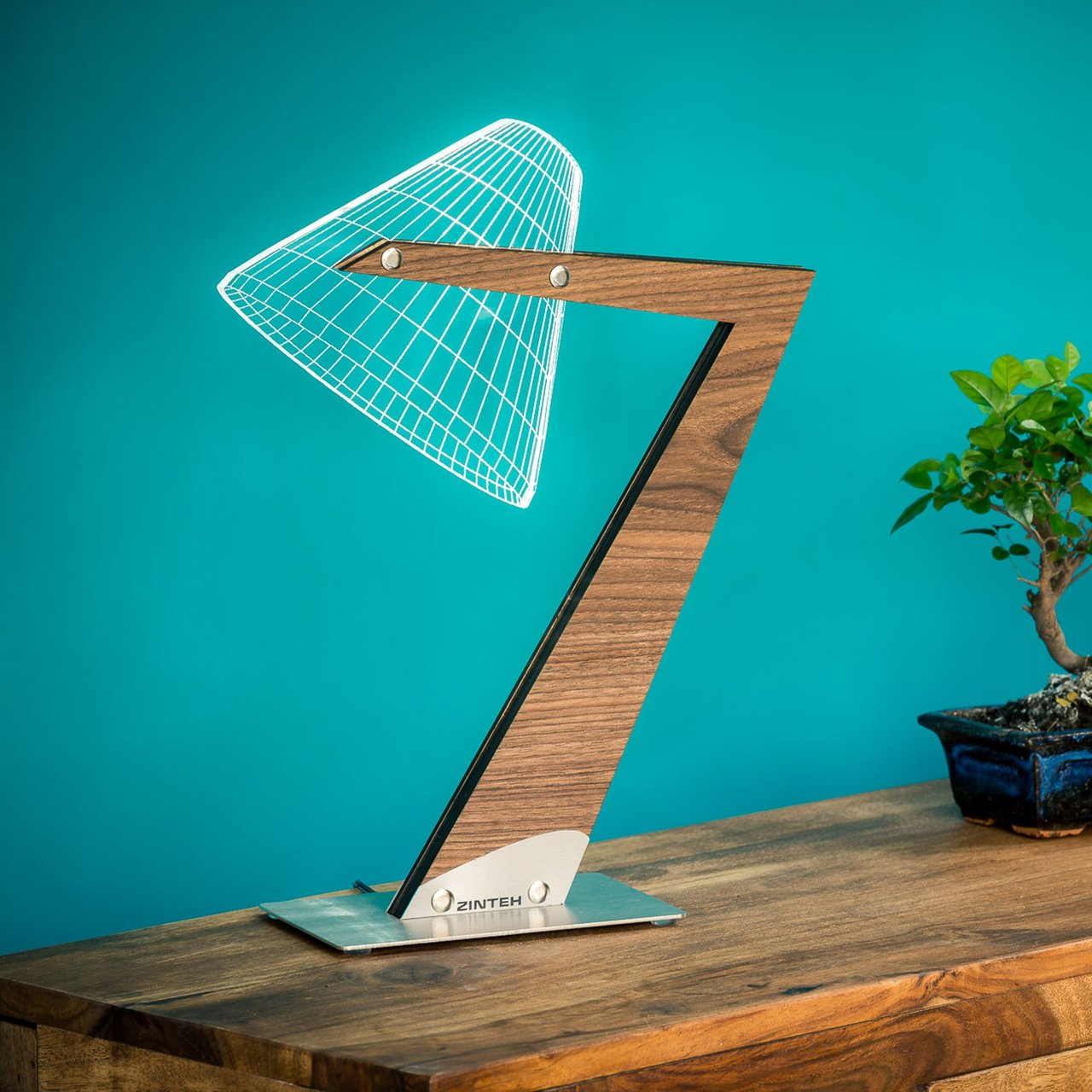 Aura Optical Illusion Table Lamp by Zinteh