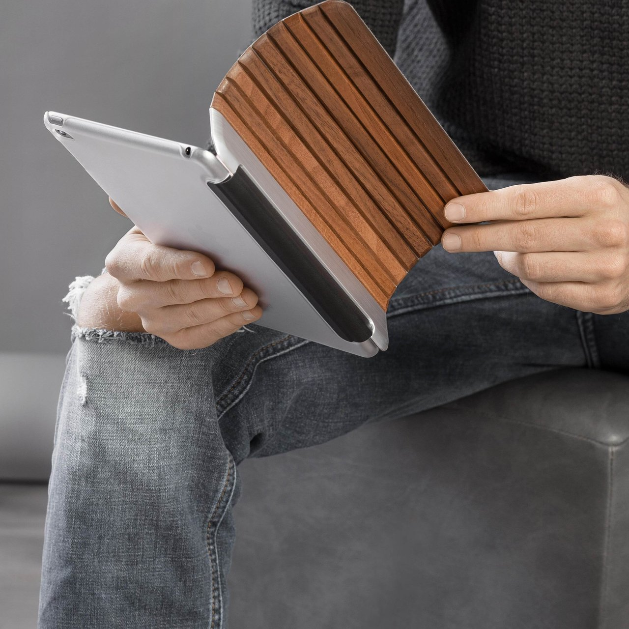 Walnut/Silver Aluminium Premium iPad Mini 4 Case