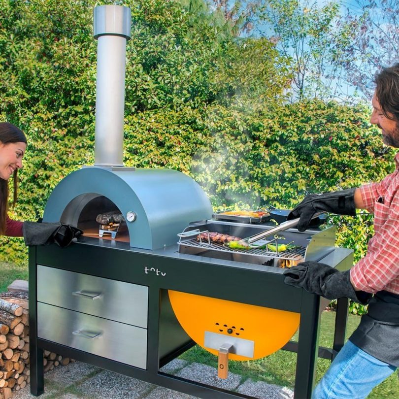 toto pizza oven grill with accessories petagadget. Black Bedroom Furniture Sets. Home Design Ideas