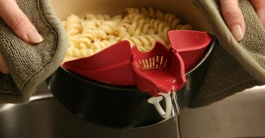 Multi-Functional Pouring Spout Divider