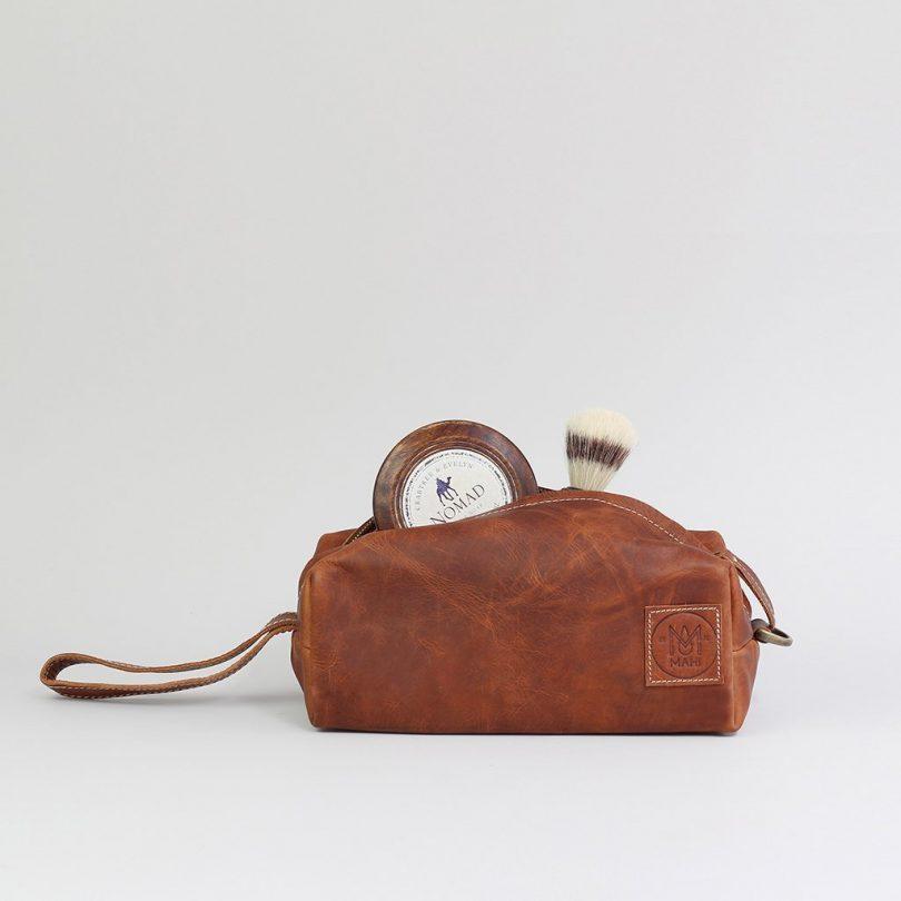 MAHI Leather Personalized Classic Wash Bag