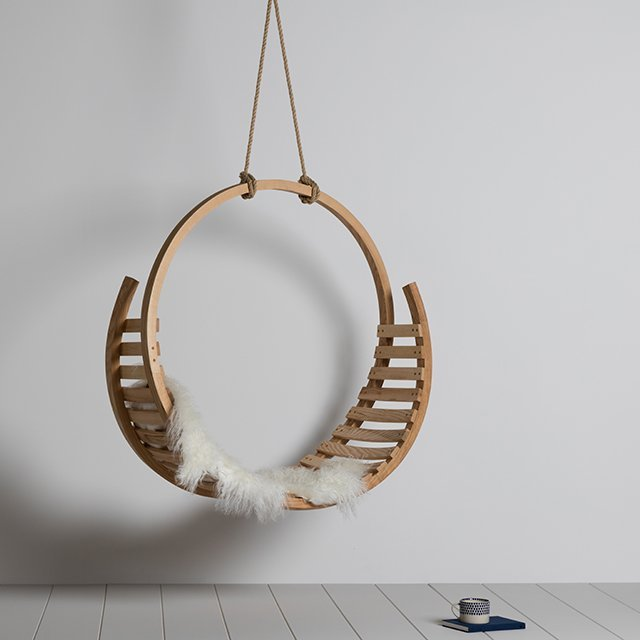 Amble Hanging Seat by Tom Raffield