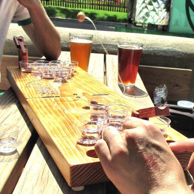Deluxe Mini Beer Pong