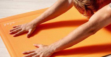 Self-Rolling Fitness & Yoga Mat