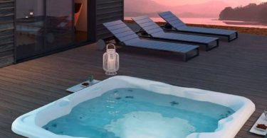 Lodge M Whirlpool Bath Tub