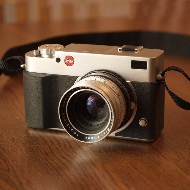 Leica Digilux 3 DSLR