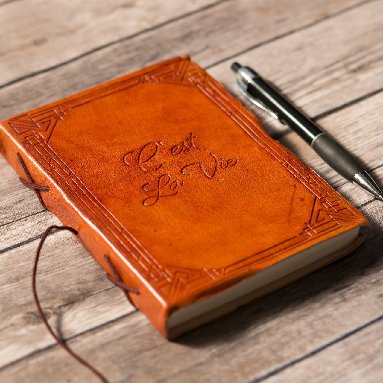 C'est La Vie Leather Journal