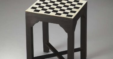 Bunching Chess Table