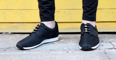 Blacn and Gold No-Tie Shoelaces by HICKIES