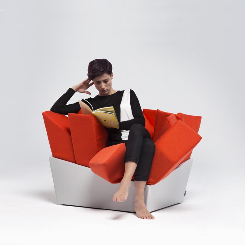 MANET Easy Chair