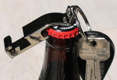 Trinken Trinket Bottle Opener/Phone Stand Keychain