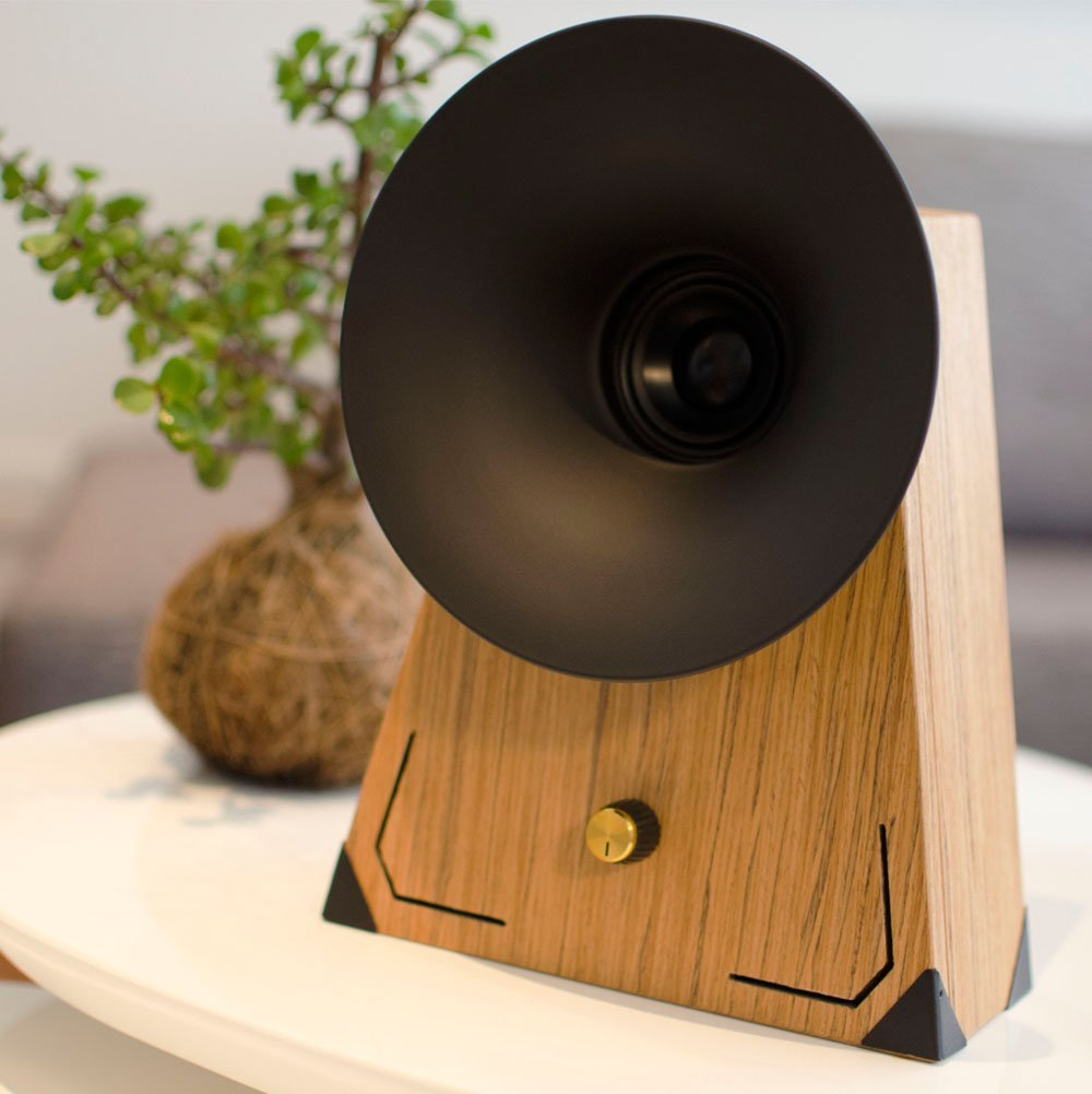 Retro Wooden Bluetooth Speaker by Nuvitron