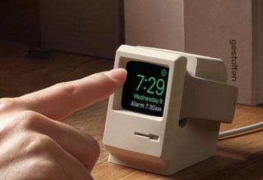 Classic Macintosh Apple Watch Charger Holder