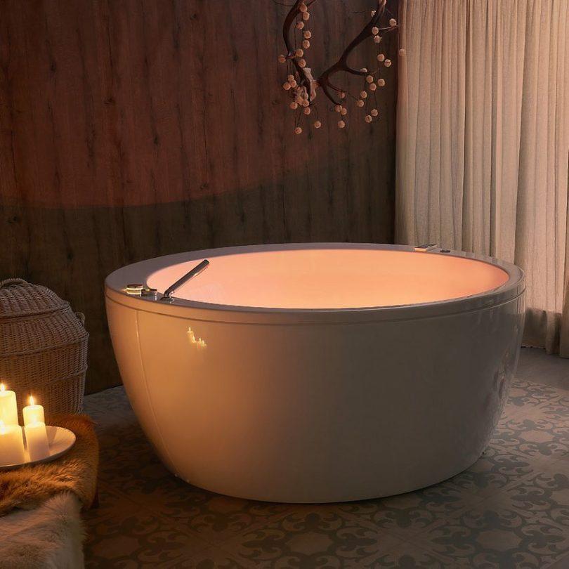 Aquatica Pamela Chromotherapy Jetted Bathtub With Speaker System