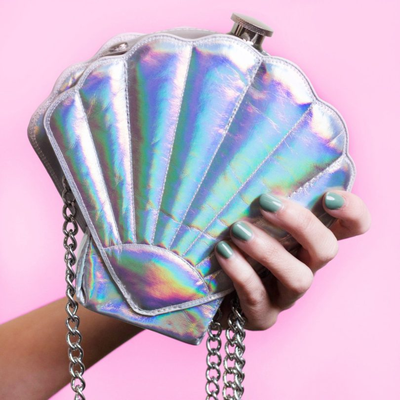 Wink Mermaid in Oyster Shell Round Flask 10 Fl Oz