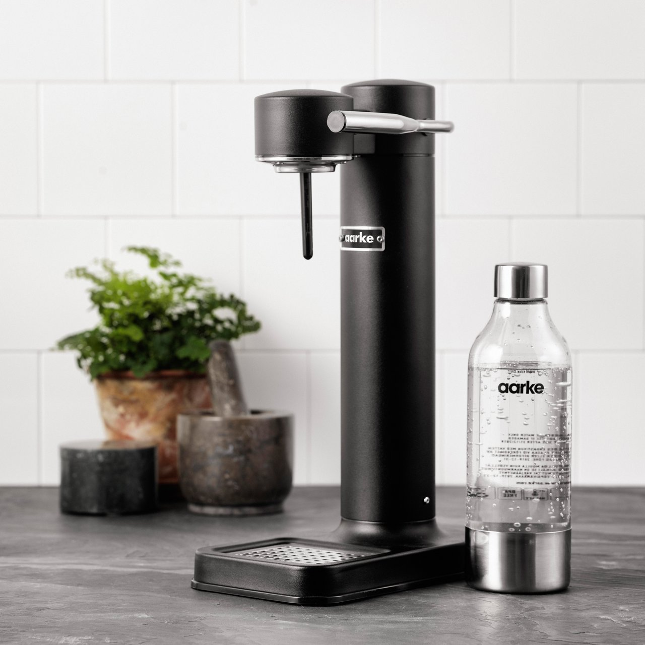AARKE Matte Black Carbonator Sparkling Water Maker