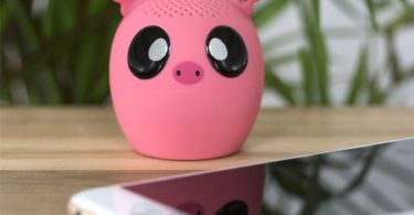 Thumbs Up Wireless Speaker, Pig